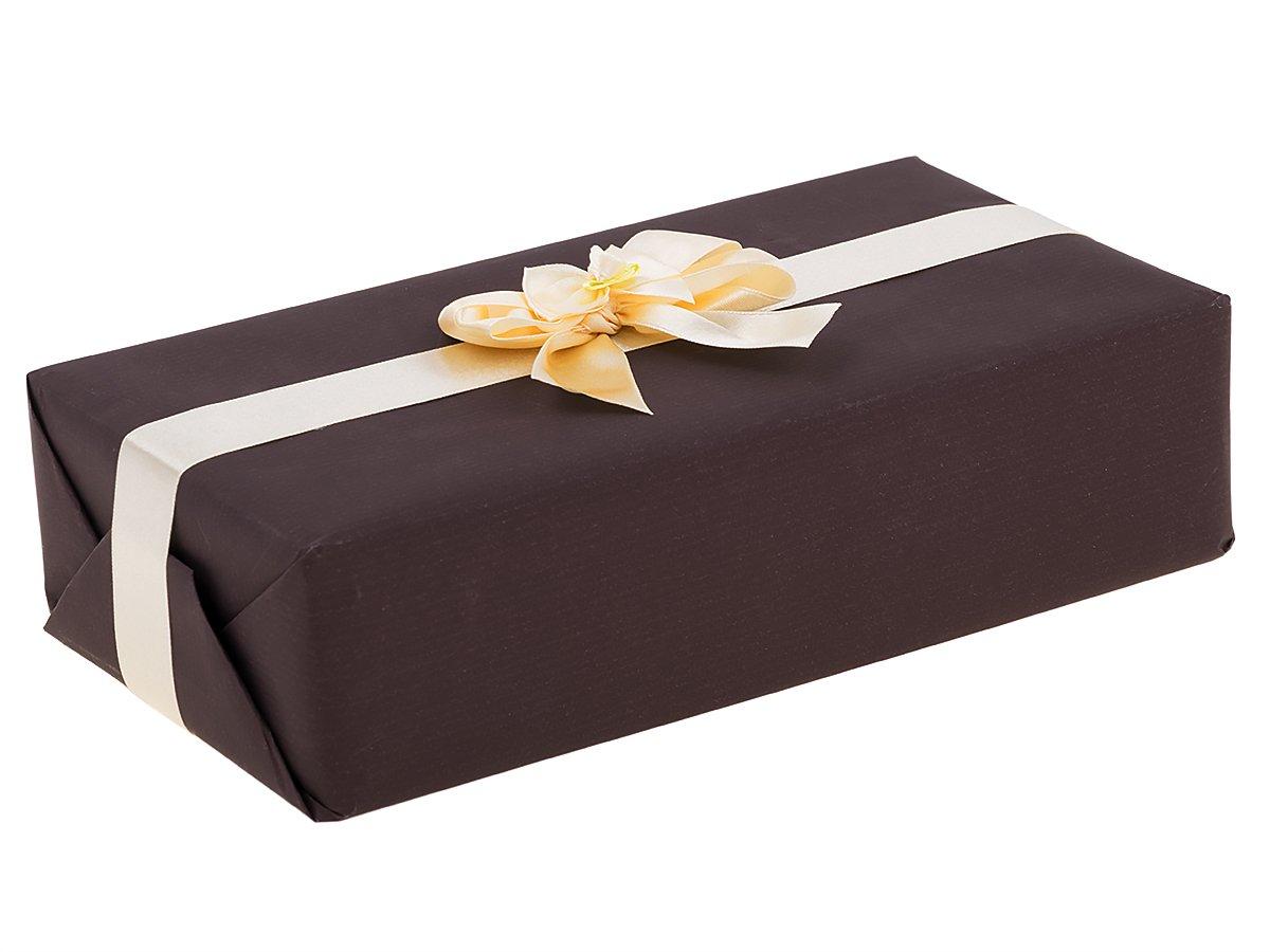 Ręczne pakowanie prezentu -papier brązowy z kremową wstążką